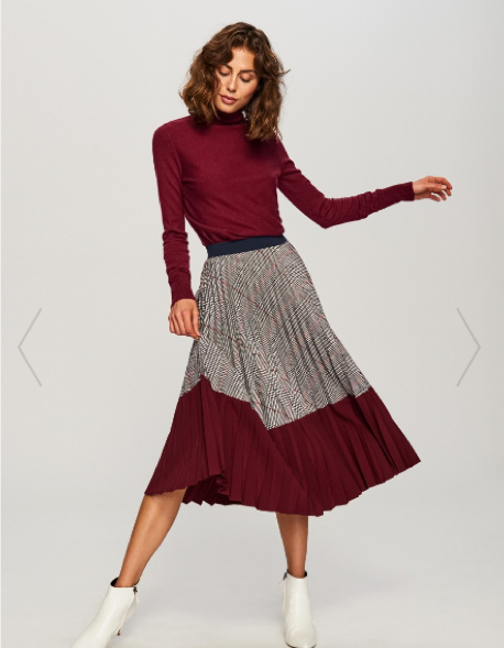 2. Longer Skirts - It's definitely getting colder outside but as it's not exactly freezing I find longer skirts to be a great transitional item, I am currently loving this one from Reserved.
