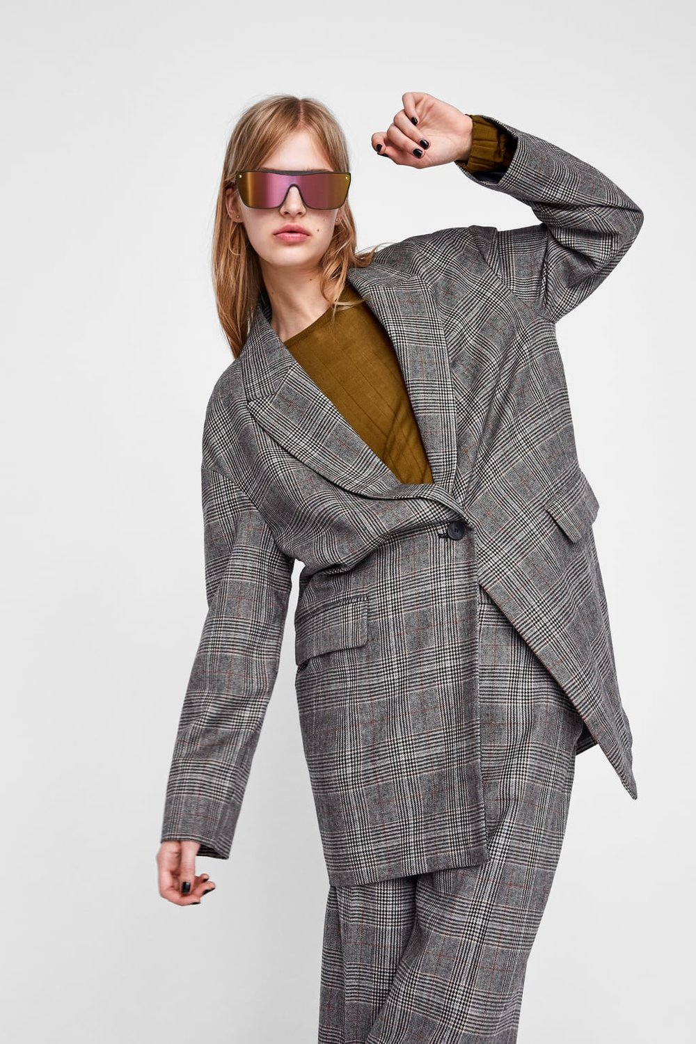 An oversized blazer. - This paired with almost anything makes you feel a minimum of 10% more powerful. Pair with a white t-shirt, blue over-sized jeans and trainers to channel your inner Alexa Chung.