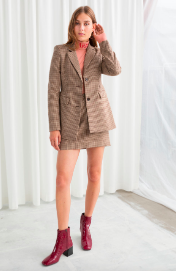 Tweed Blazer - I saw a girl at work wearing a tweed blazer, black skinny jeans and a pair of black knee length boots - she looked incredible. Take this look and run with it. Definitely an investment piece.