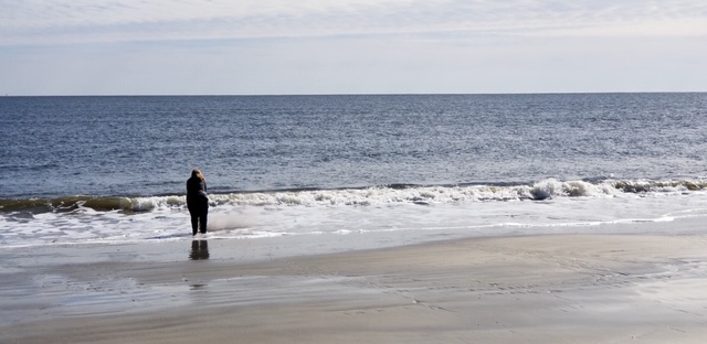 Scattering Mom's ashes in the Atlantic.