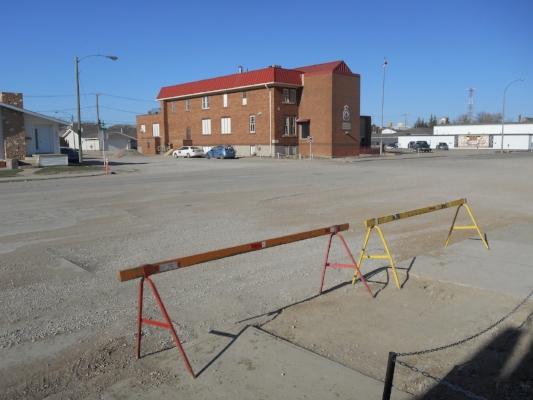 Barricades to greet pedestrians