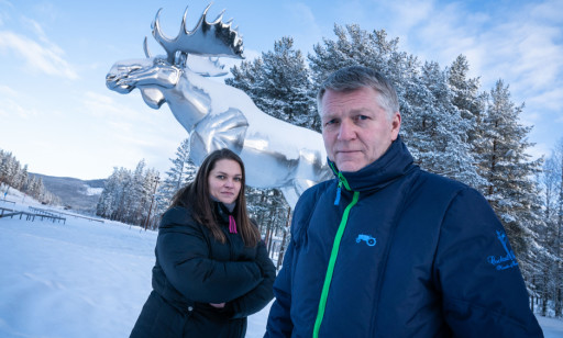 Vice Mayor Linda Otnes Henriksen and The Mayor of Stor-Elvdal, Terje Hoffstad (Ap), is afraid that the village will now lose its hard-won status as a world record holder. Photo: Øistein Norum Monsen/Dagbladet.