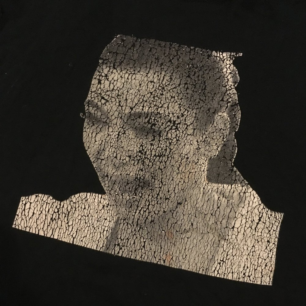 - This is my boyfriend's favorite tee shirt featuring a highly upset and crying Kim Kardashian. Unfortunately, because this is printed by heat transfer, Kim is now peeling away and looking worse than ever.