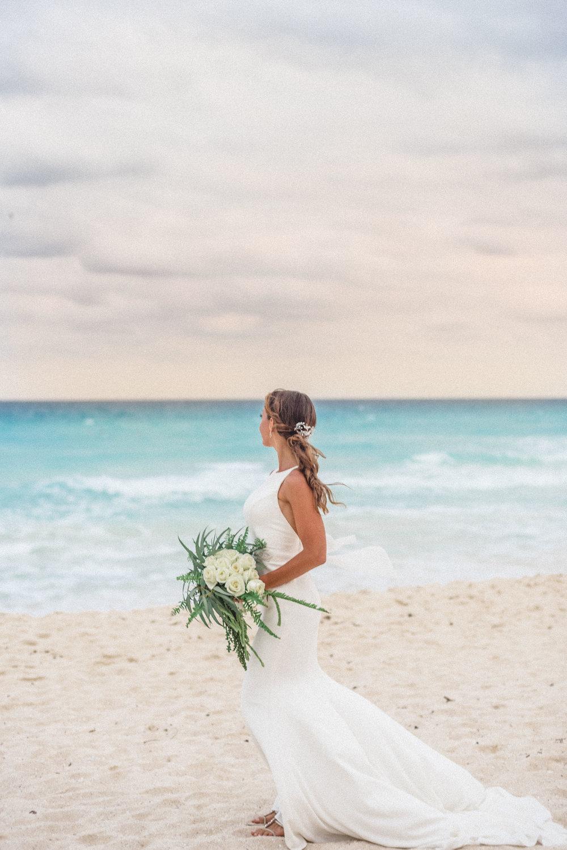 sayulita_mexico_wedding_bride-3.jpg