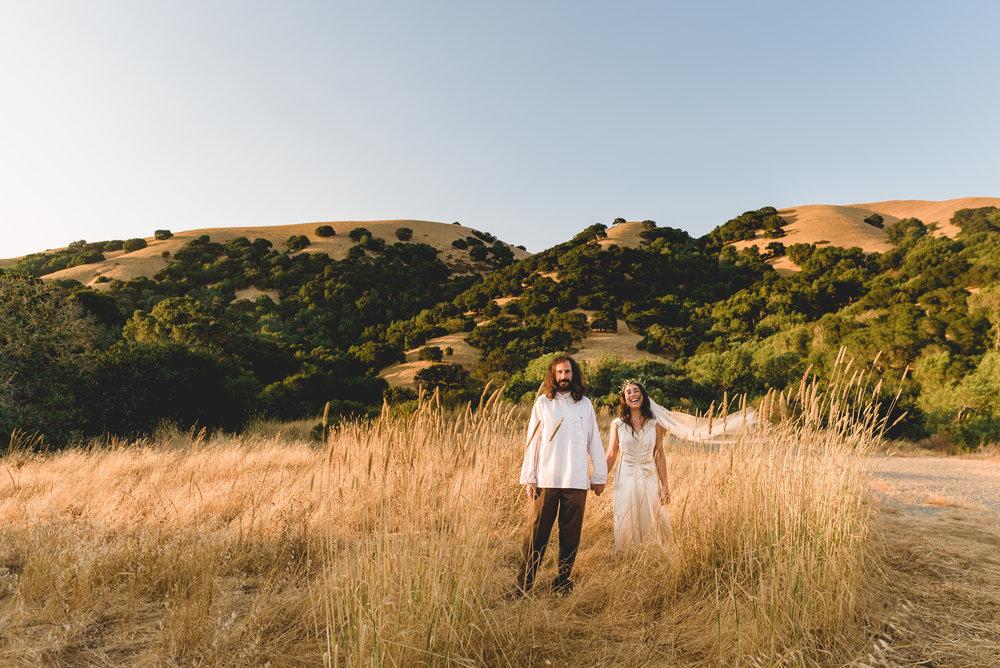 Boho-San-Rafael-wedding-couples-portraits-28.jpg