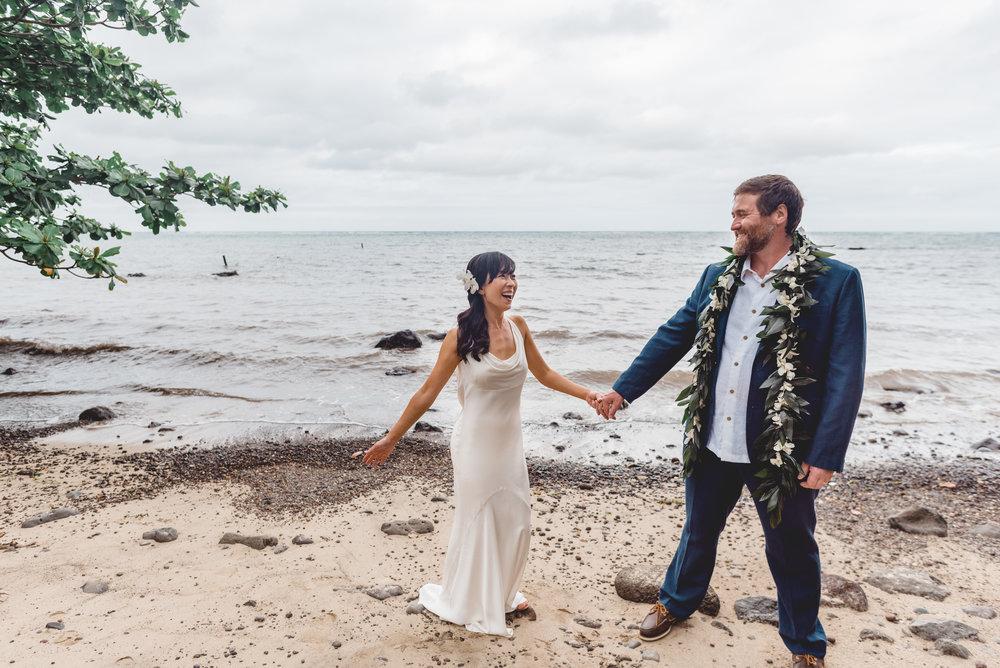 Oahu-Hawaii-wedding-couple-67.jpg