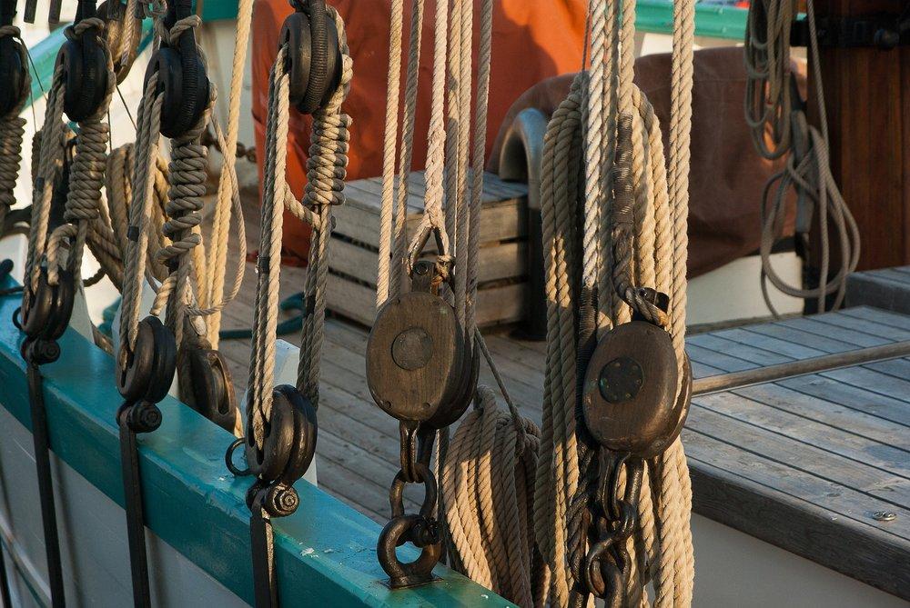 sailboat-1741006_1920.jpg