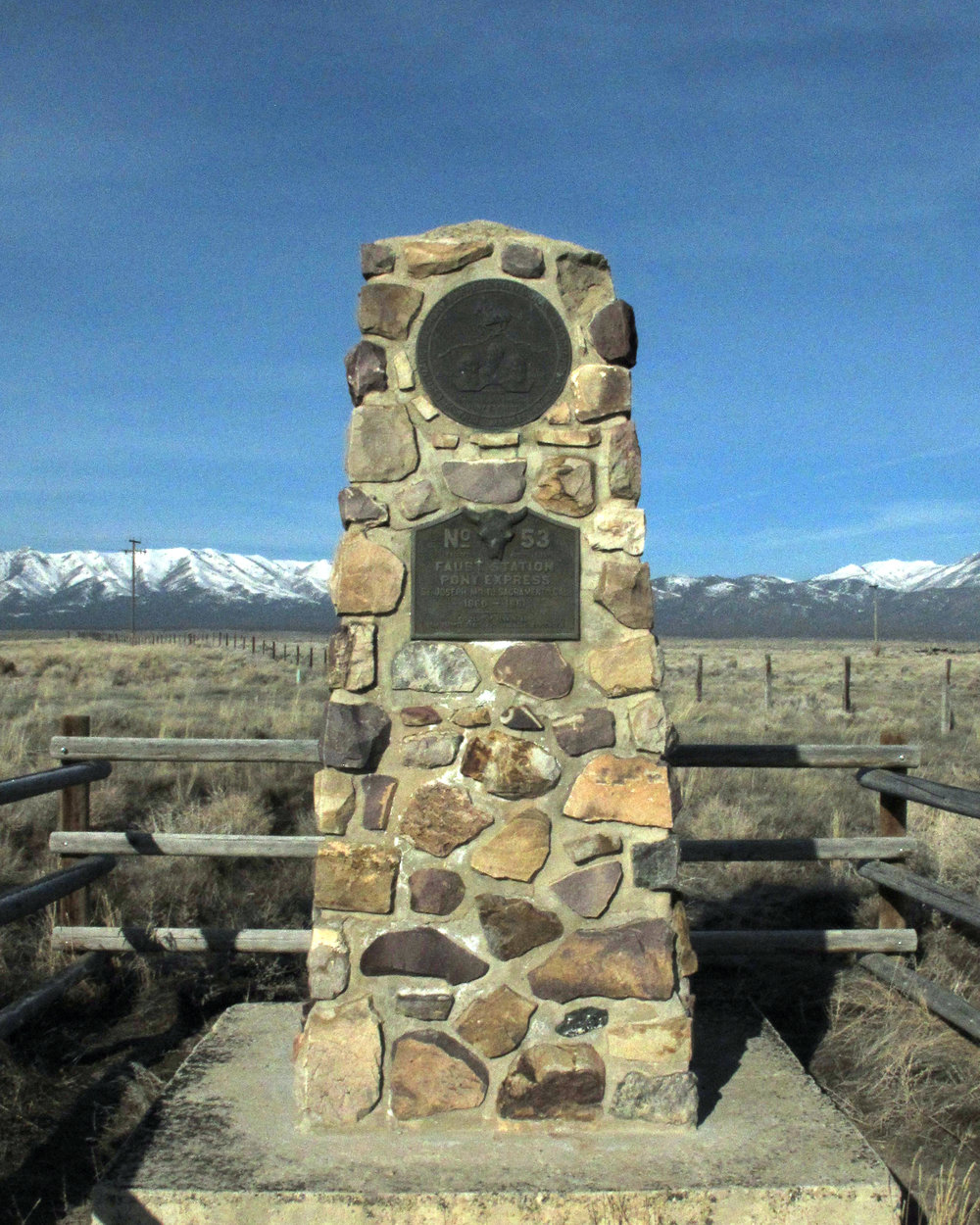 Pony_Express_Monument_2.jpg