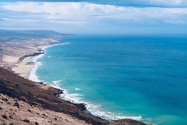 Take me back to where the Sky kissed the Sea endlessly 💙 #agadir #visitmorocco #moroccotravel #yogaretreat #yogamorocco #surfmorocco #yogasurf #desertpassion #desertpassionmorocco #surfvibes #atlanticocean #yogasurfretreat