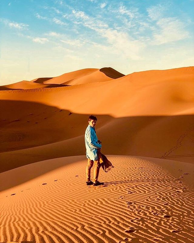 Monday, here I come 🦁  Have you been to the Sahara? #motivationmonday . . . . . #desertlife🌵 #sahara #saharadesert #dunes #saharadesertmorocco #moroccandesert #moroccodesert #desertpassions #desertpassionmorocco #nomadiclife #nomadiclifestyle