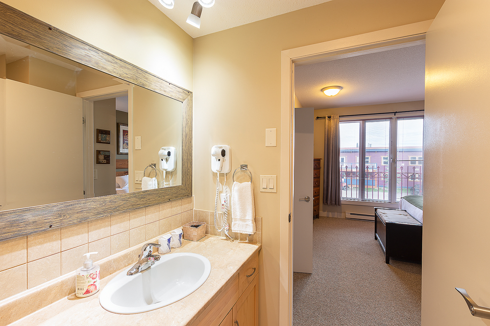 JDL_5756-1 bathroom copy.jpg