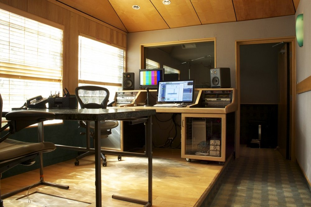 Studio-D-Horizontal-1024x682.jpg