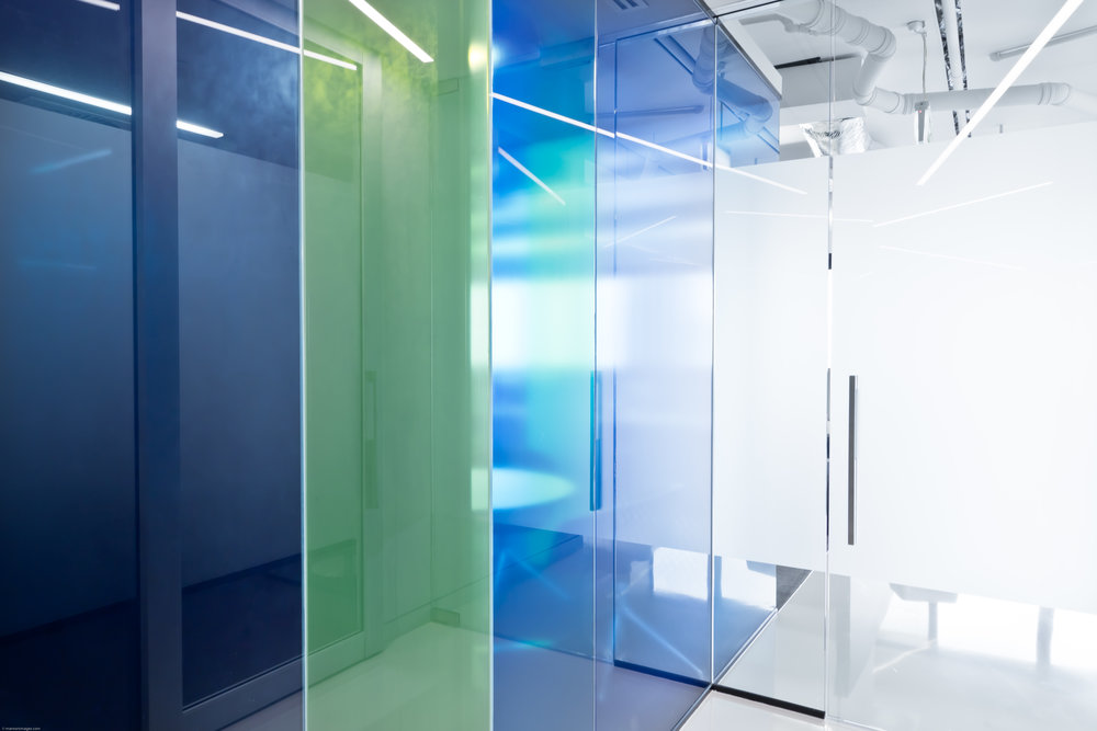 Ann Street Workplace_Coloured Glass Partitions