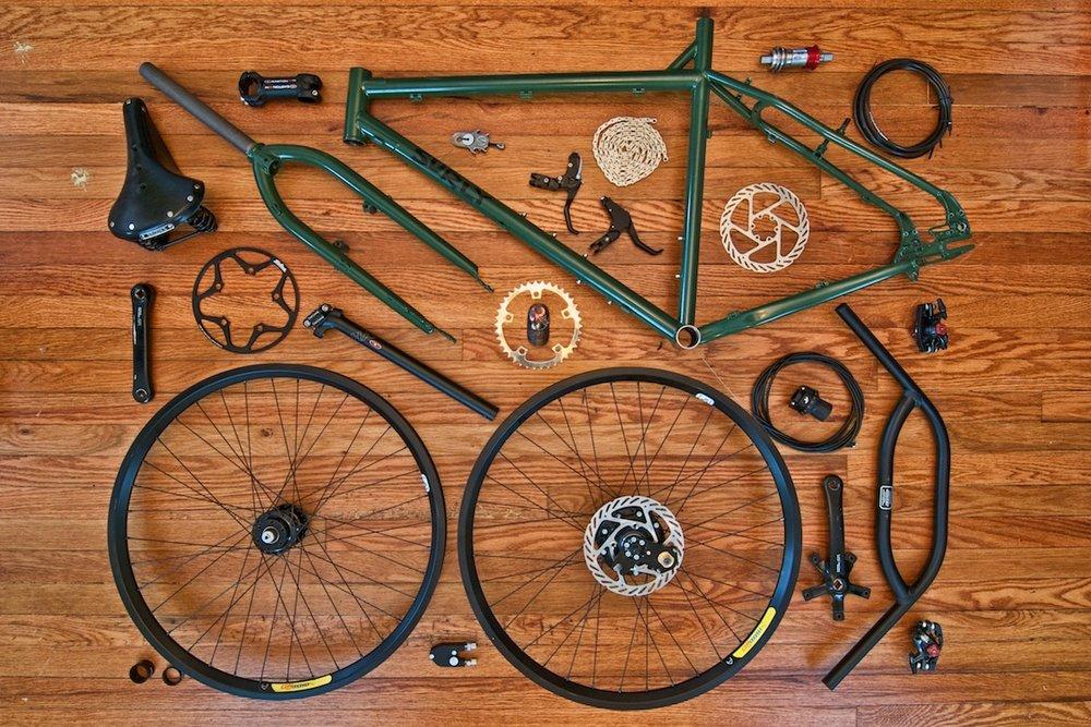 bikes-troll-log-00.jpg