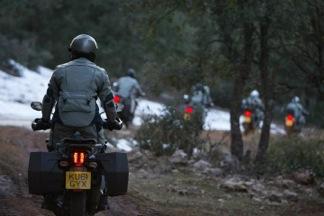 Motorrijden in de sneeuw in Marokko