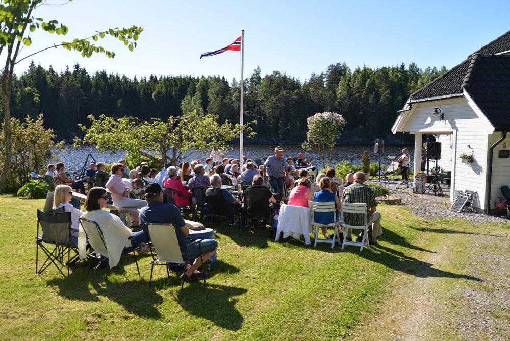 Med Tonoavgift: Visefestivaler, som denne nordiske mini-festivalen på Ytre Enebakk i regi av Østnorsk Viseforum i 2016. Foto: Anette Gilje.