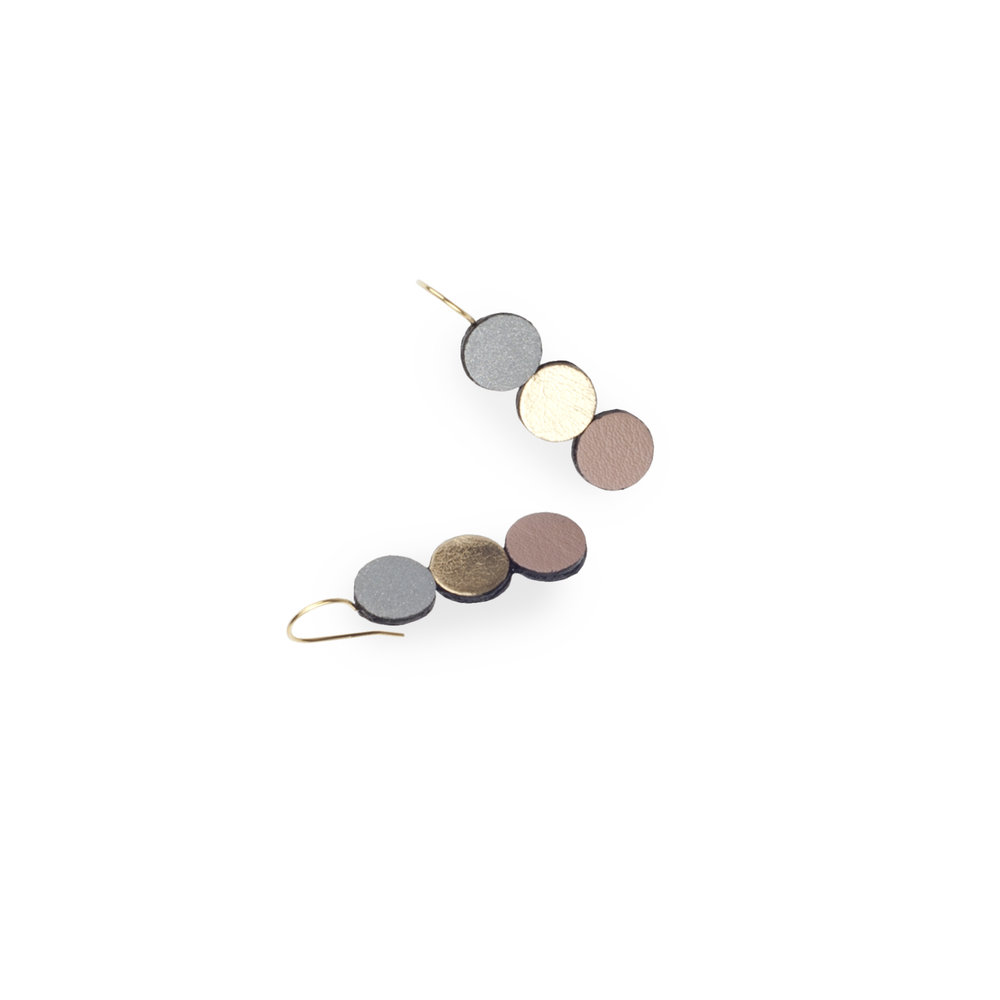 leather earrings with reflective details | Ellis