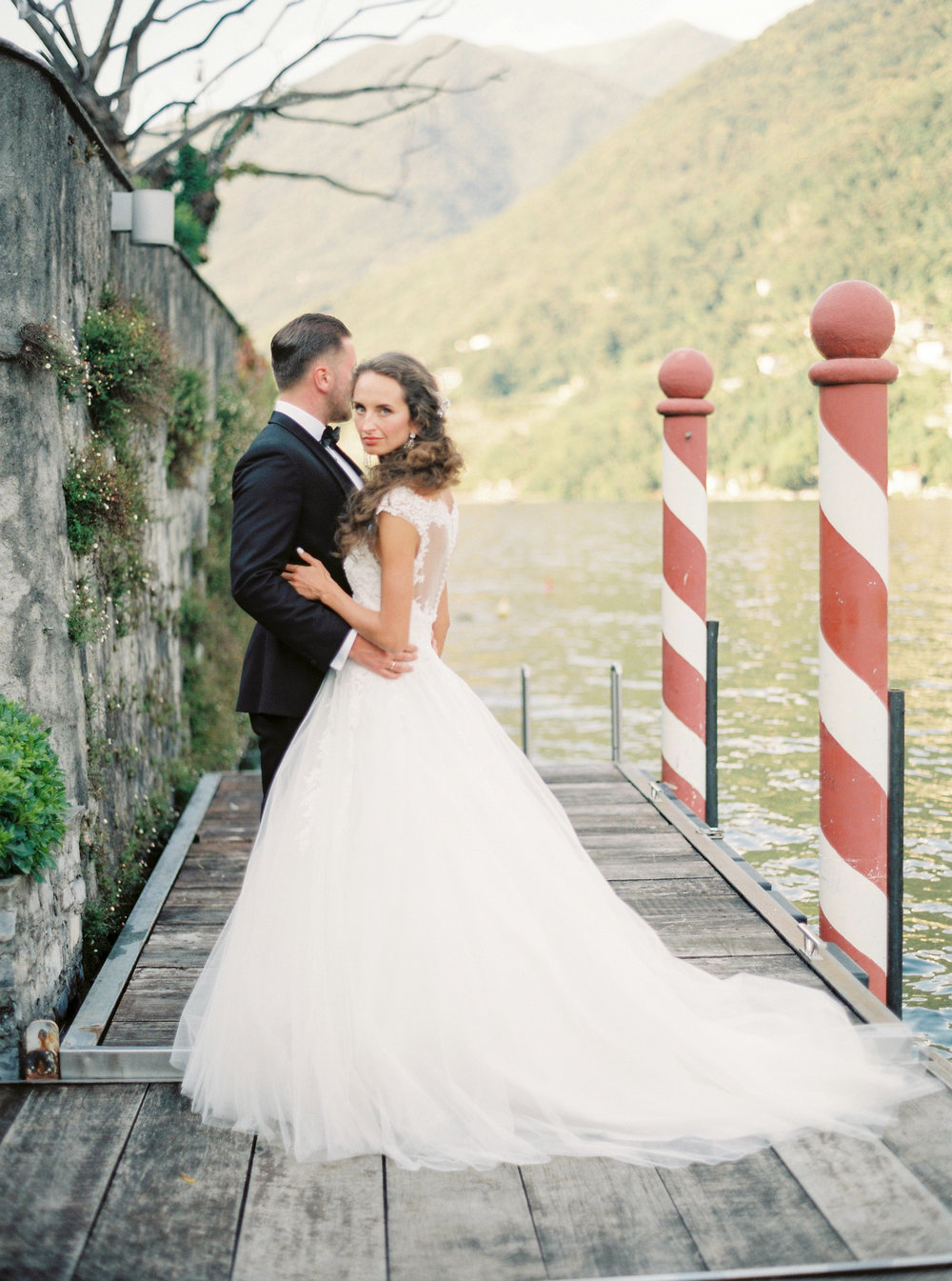 darya kamalova thecablookfotolab fine art film fhotographer in italy destination wedding como lake villa regina teodolinda villa pisani scalabrin-297.jpg