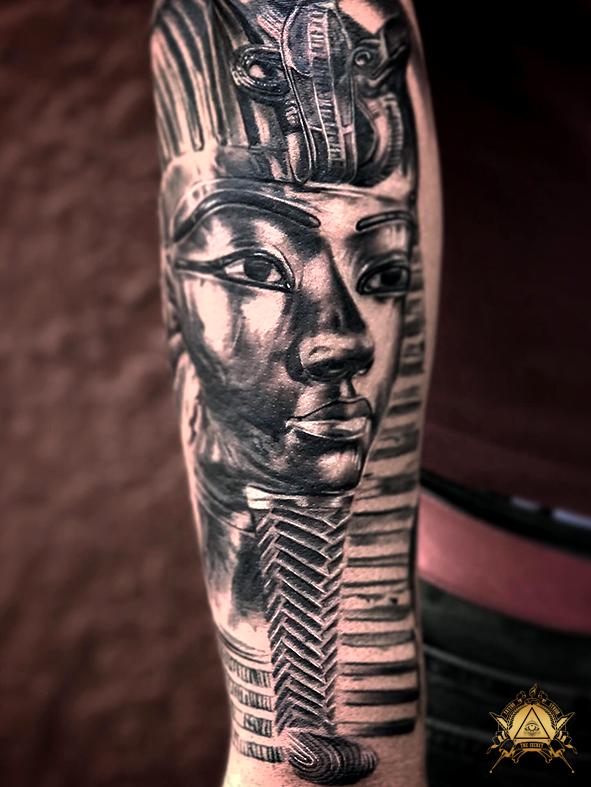 egyptian-god-by-camilo-pardo.png