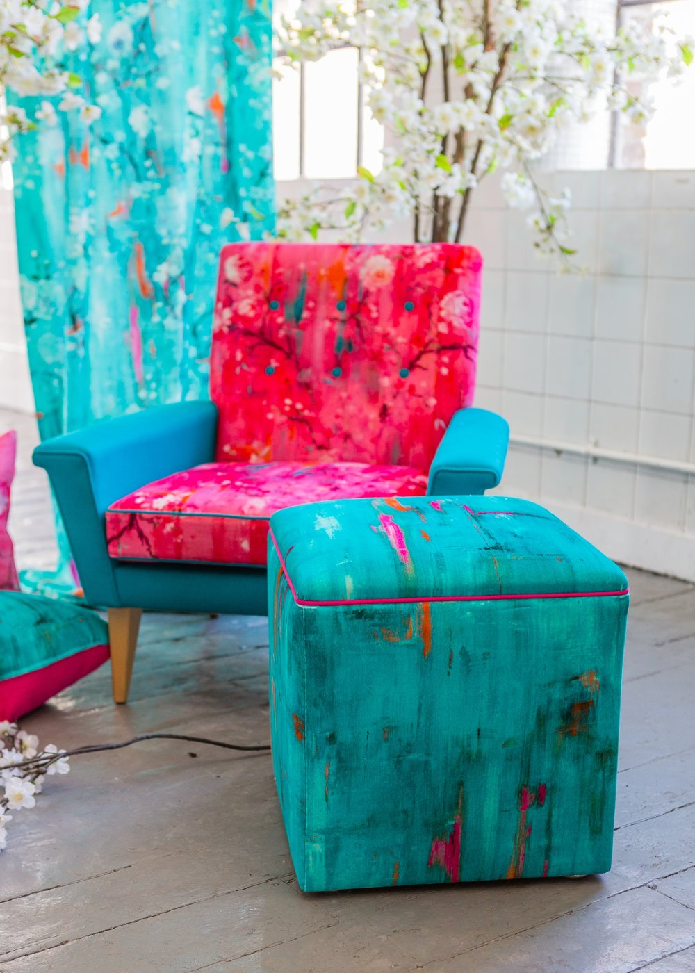 Chair and stool in 'Perfumes of the Night' - Abstract and Floral editions