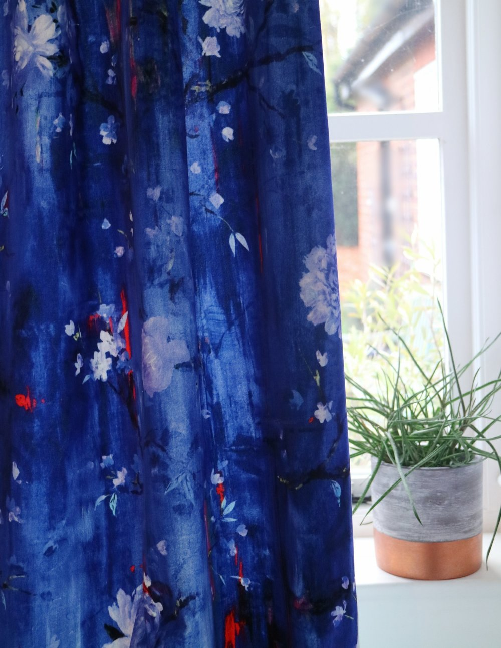 Curtains in 'Perfumes of the Night' - Floral Edition in Moroccan Blue