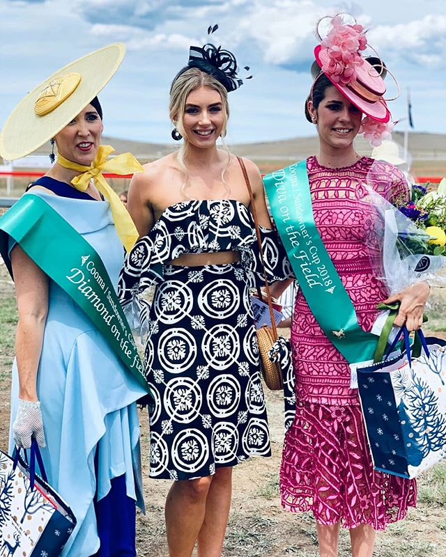 So much fun judging fashions on the field this year at the Cooma races. Thank you for having me 🤗