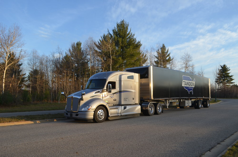 2017 Kenworth tandem truck and trailer