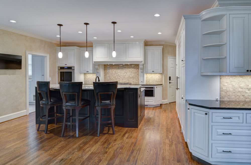 Kitchenl.jpg