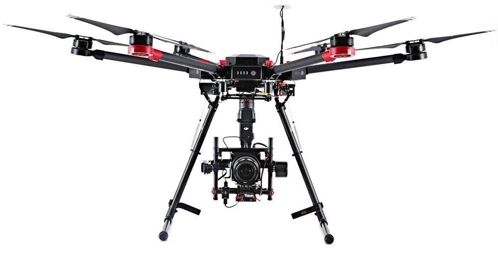 MODULO 3 Drones - 1. PRINCIPIOS DE FUNCIONAMIENTO✔ Componentes de un drone✔ Principios de funcionamiento✔ Funcionalidades2. TIPOS DE DRONES✔ Marcas, modelos y recomendaciones✔ Estado del mercado3. ESCUELAS DE PILOTOS AUTORIZADOS✔ Escuelas alrededor del mundo✔ Tipos de certificaciones4. VUELO*CONTENIDO EXTRA *✔ Consejos de vuelo✔ Zonas de vuelo✔ Leyes vigentes5. FILMACIÓN CON DRONES*CONTENIDO EXTRA *✔ Práctica básica✔ Movimientos✔ Modos de vuelo6. FILMACIÓN ARTÍSTICA CON DRONES*CONTENIDO EXTRA *✔ El artista que llevas dentro: como hacer fluir la imagen de drones con el equipo en tierra