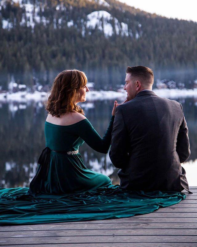Evenings at Donner ☁️👫 • • • #weddingphotographer #weddingphotography #engaged #weddings #laketahoewedding #laketahoeweddingphotographer #familyphotos #winter #reno #renophotographer