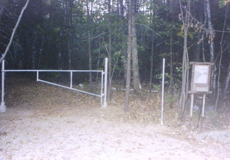 Thorne Head gate and kiosk in 2001.