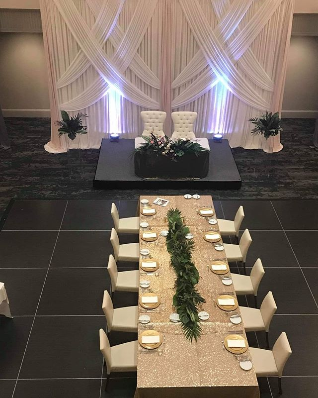 Another stunning set-up. Congrats to the happy couple.  Thank you Marta of @periwinkleplaid_eventsdecor  we love working together!  Thank you Arcadian Court.  #memorableandmagical #weddingdecor #Love #amore #liefde #Laska #kaerlighed #armastus #Pag-ibig #rakkaus #Liebe #szerelem #Cinta #dragoste  #Upendo #Karlek #Ask #cariad