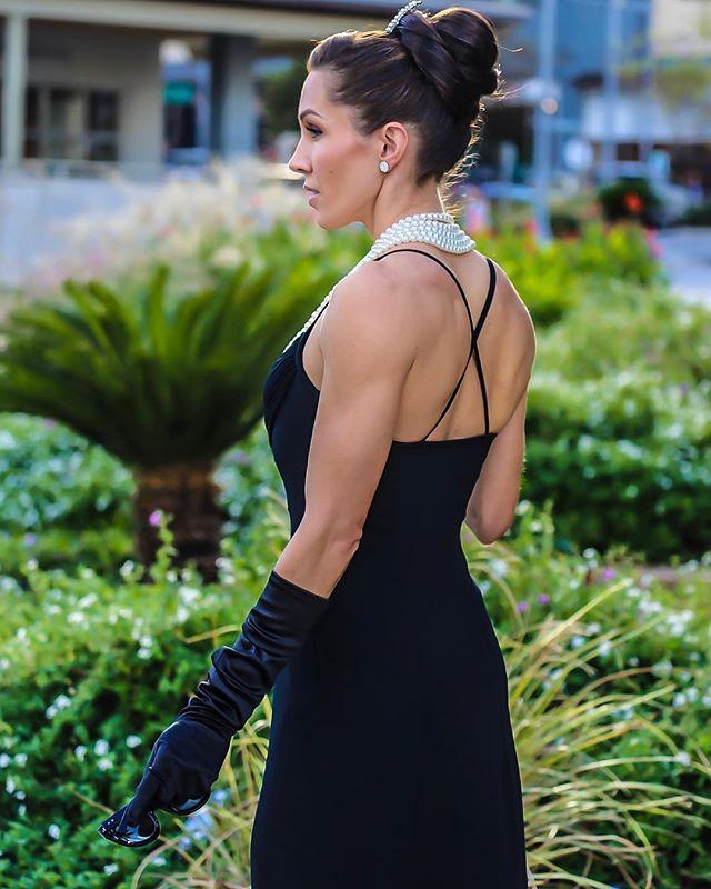 @pembertoncandice as Holly Golightly (Audrey Hepburn). 📷: @spr512  Hair & Make Up: @ulta_esthetician @vanessadoeshair_atx  #tiffanyandco #breakfastattiffanys #blackandwhitephotography #audreyhepburn #hollygolightly #ctwelvephotos