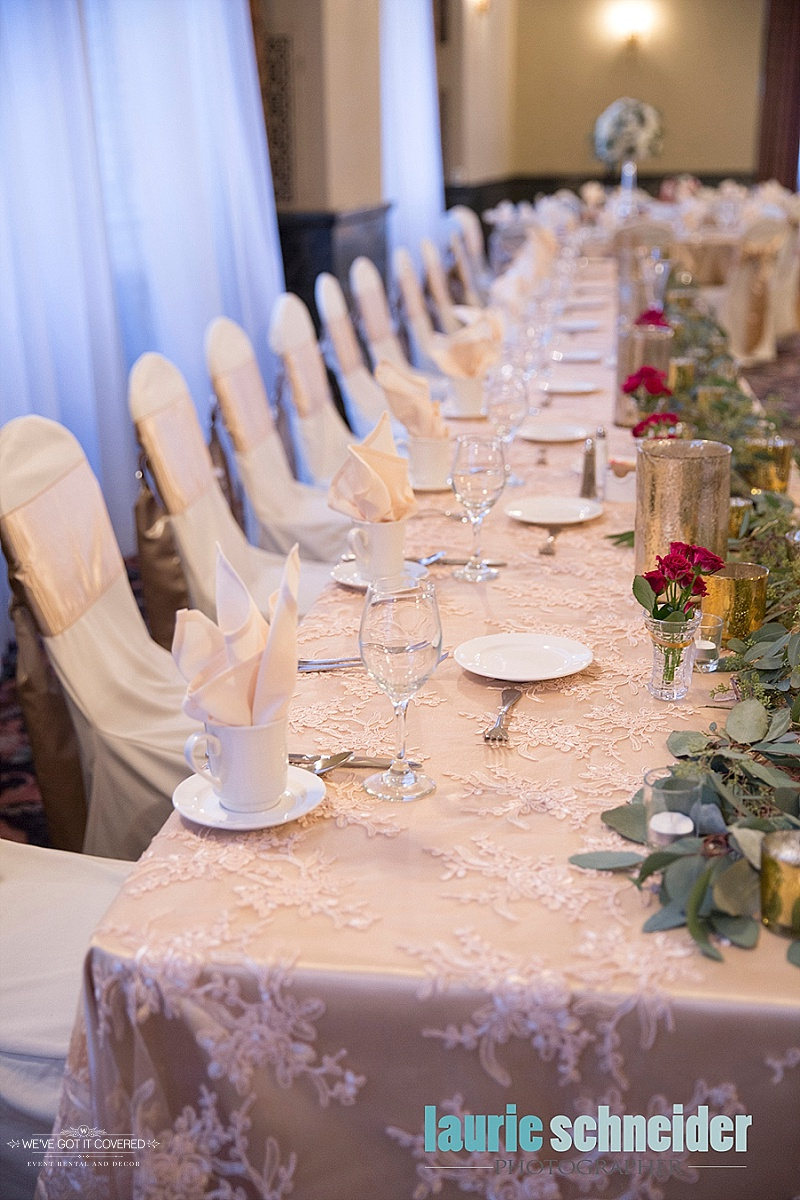 Photography:  Laurie Schneider Photography   Floral:  Sadies Floral   Venue:  St. Paul Athletic Club
