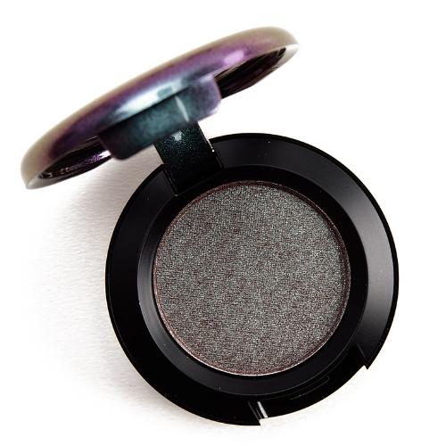mac-sun-tan-and-repeat-eyeshadow.jpg