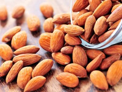 ten best foods for beautiful skin almonds spa sophia