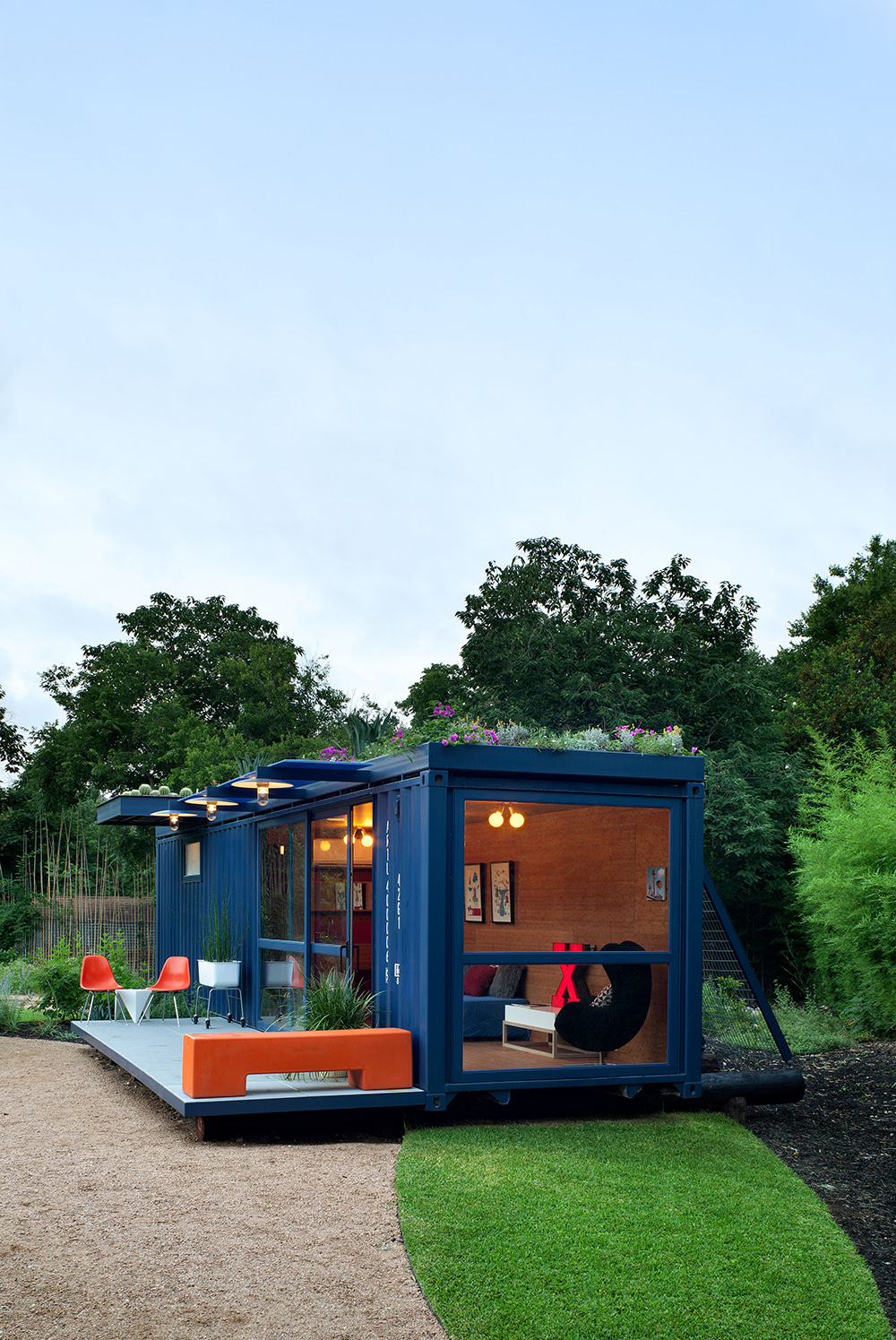 container-guest-house-11.jpg