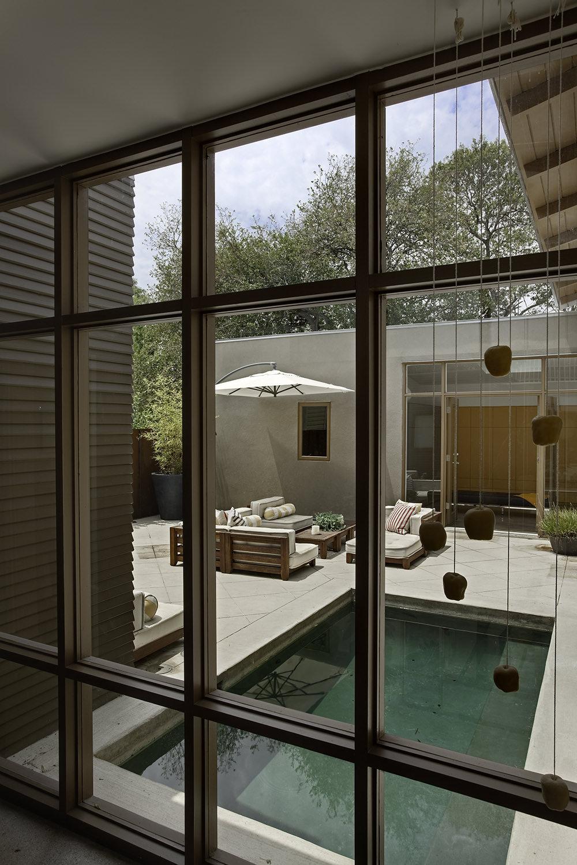 hooper-abad-residence-3.jpg