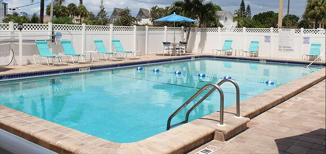 SmugglersCove  Pool.jpg