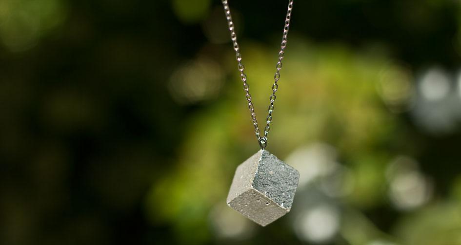maple and mauve concrete necklace