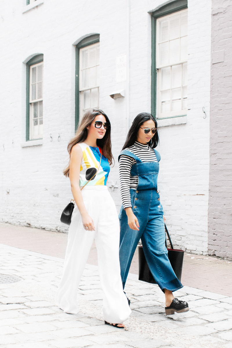 fashion bloggers walking