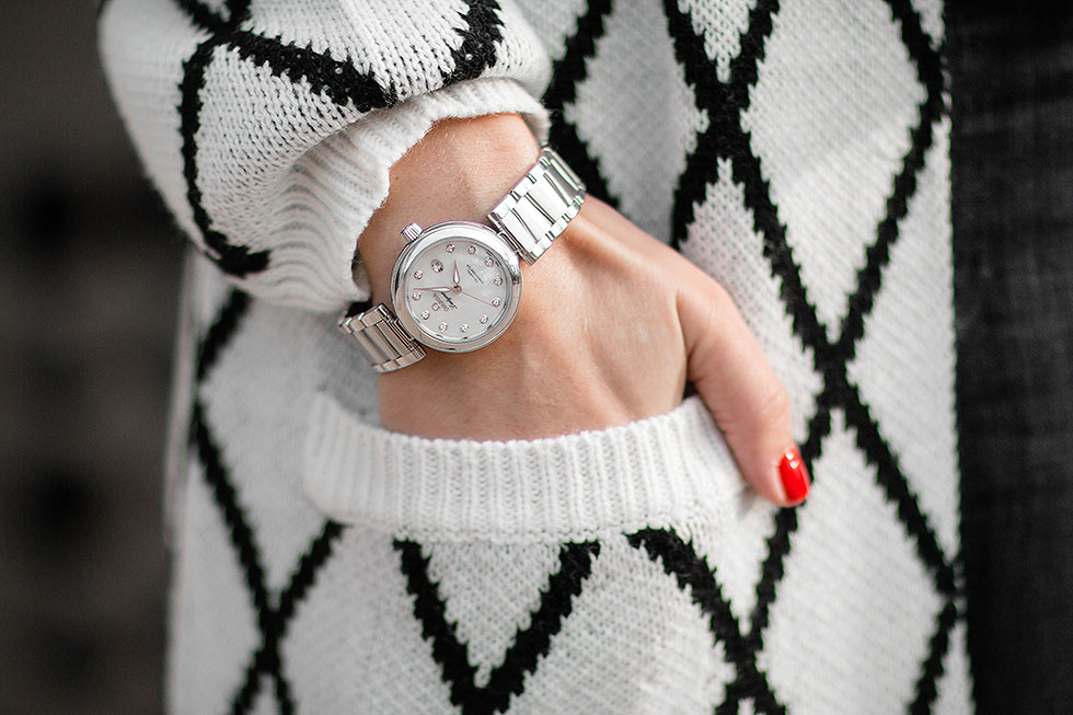 OMEGA De Ville Ladymatic Watch with Diamond Pattern Knit Long Cardigan