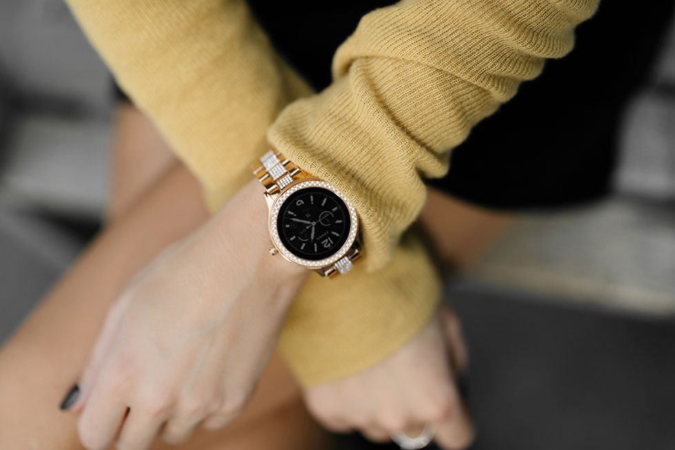 Fossil-Smartwatch-Q-Venture-Smartwatch-Gold2.jpg