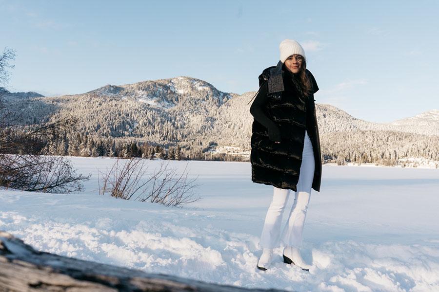 Salvatore Ferragamo Vest Whistler Snow Outfit DSC07889.jpg