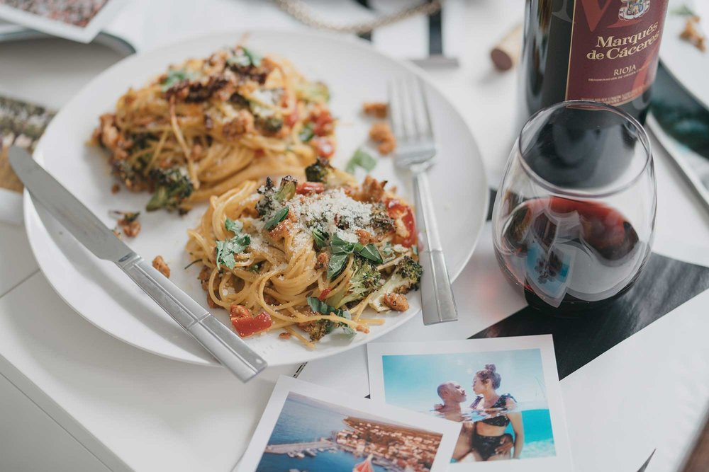 how-to-make-spagetti-nests-with-italian-sausage-broccoli-and-hot-cherry-peppers-flatlay-dinner-15.jpg