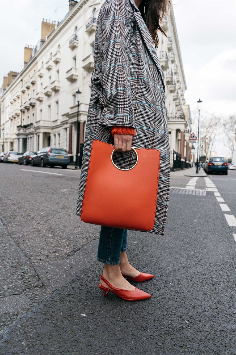 Lightweight-Check-Coat,-Salvatore-Ferragamo-Red-Leather-Tote,--Mom-jeans,-London-Fall-Outfit-Red-Accessories-10.jpg