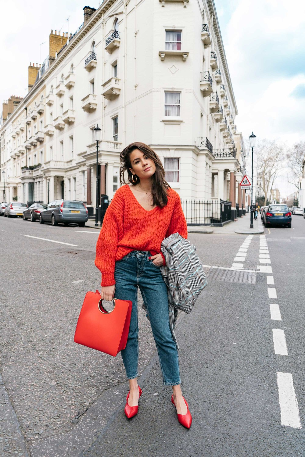 Lightweight-Check-Coat,-Salvatore-Ferragamo-Red-Leather-Tote,--Mom-jeans,-London-Fall-Outfit-Red-Accessories-13.jpg