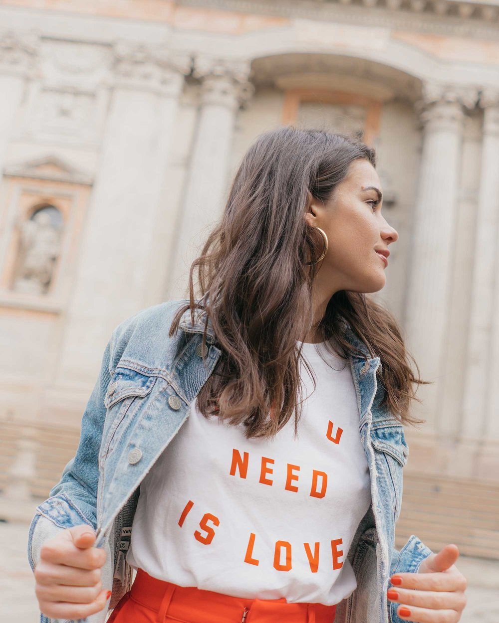 Red-Skinny-Pants,-All-You-Need-Is-Love'-Slogan-T-Shirt,-Cara-Cropped-Denim-Jacket,-Milan-Spring-Outfit-6.jpg