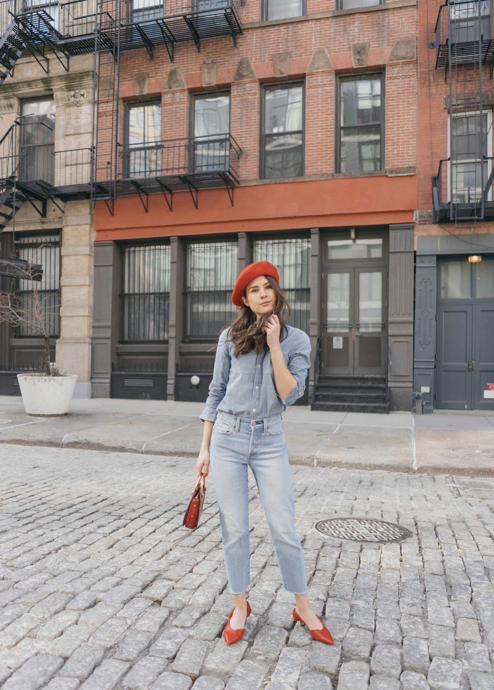 Madewell-Chambray-Boyfriend-Shirt--Levi's-Wedgie-High-Rise-Straight-Jeans-Chloe-Pixie-Leather-Crossbody-Bag-Sigerson-Morrison-Red-Slingback-Pump-4.jpg
