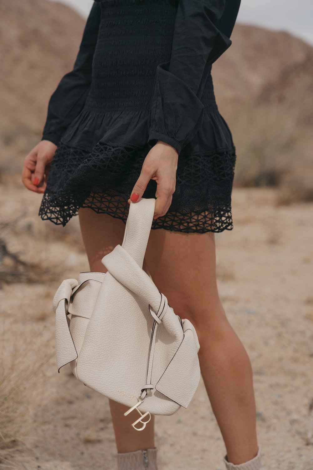 black lace festival outfit for Coachella Desert6.jpg